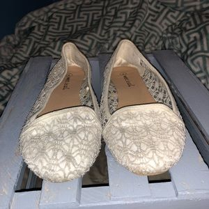 LIKE NEW Lacey Slip Ons
